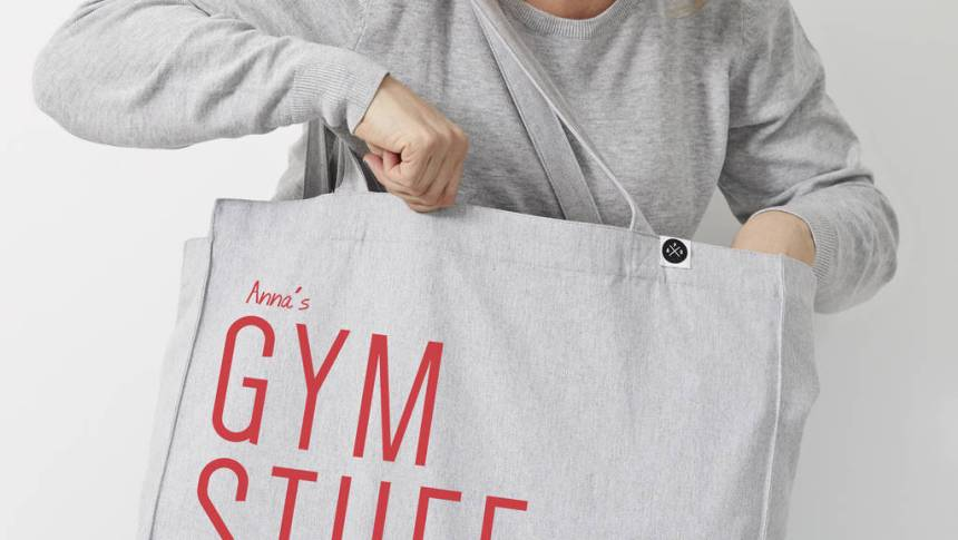 How to adequate your life inside a tote bag?