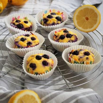 keto muffinki z borówkami