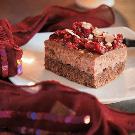 keto ciasto z pianką wiśniową