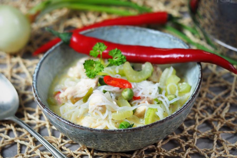 keto zupa drobiowo- śmietanowa