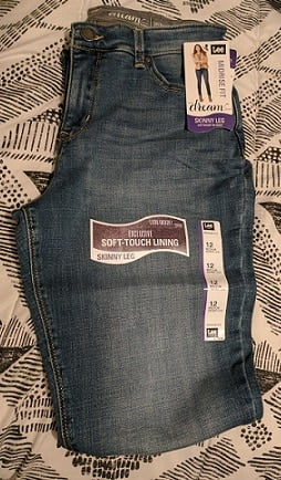 Lee Dream Jeans make your Figure more Shapely!