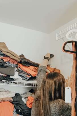 Upgrading Wire Shelves with California Closets featured by popular Tennessee Lifestyle blogger, Modern Day Moguls