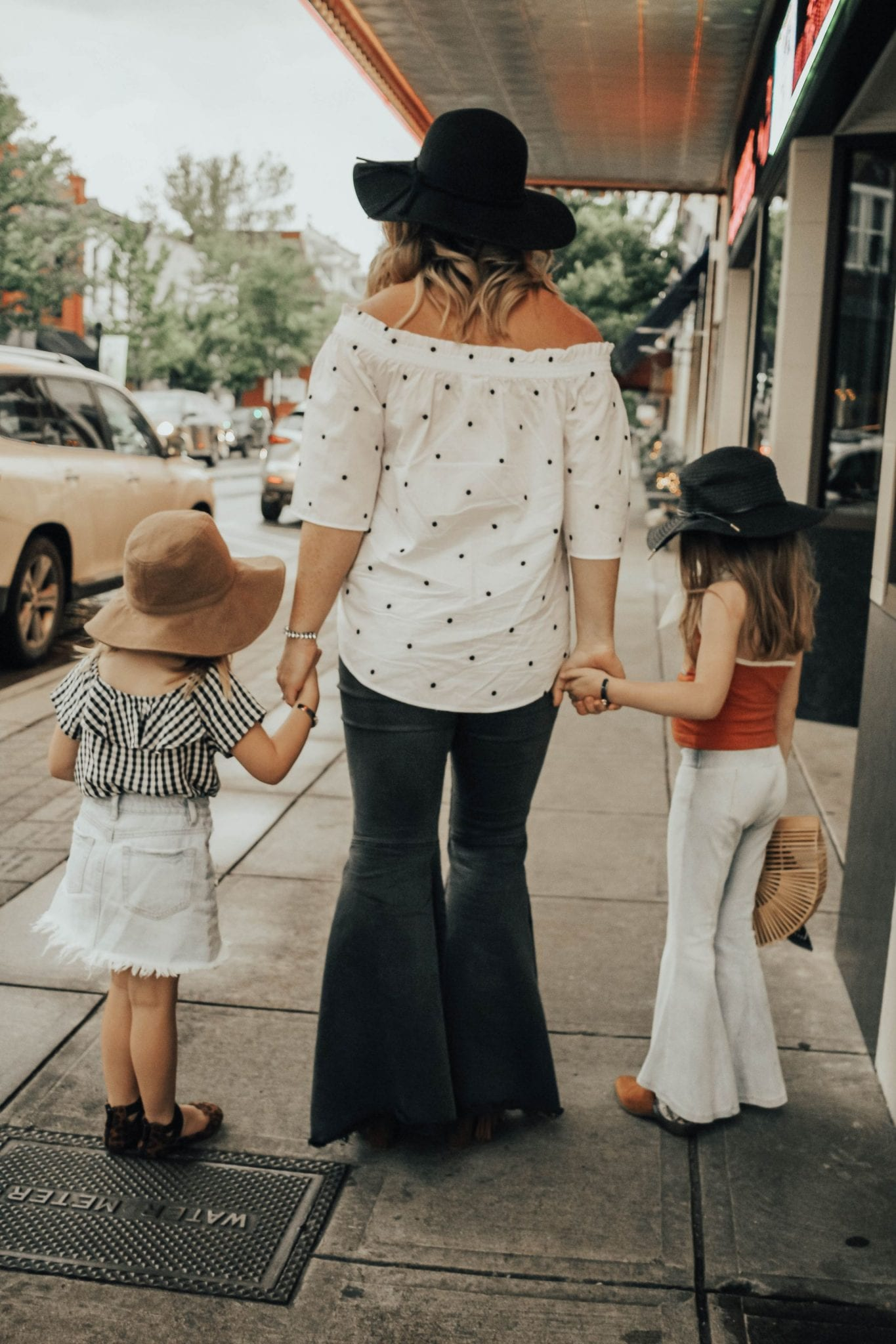Mothers Day Giveaway with Shelly Brown featured by popular Tennessee fashion blogger, Modern Day Moguls