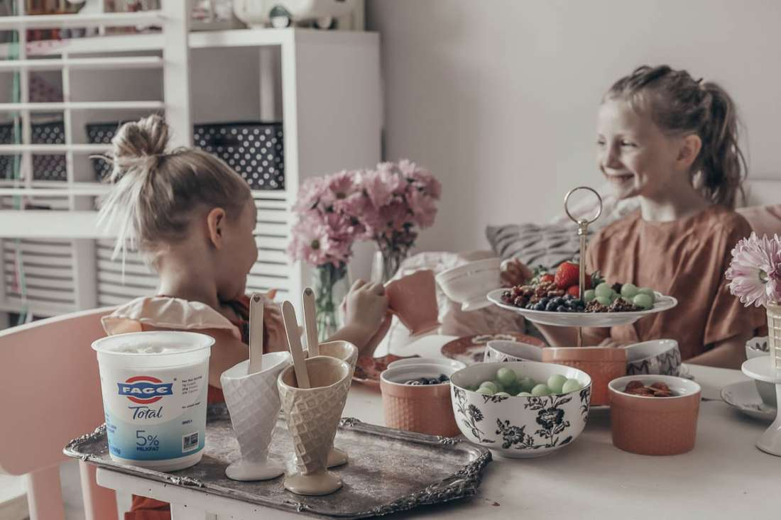 FAGE Total Your Way: A Healthy Twist on the Traditional Ice Cream Bar featured by popular Tennessee lifestyle blogger Modern Day Moguls