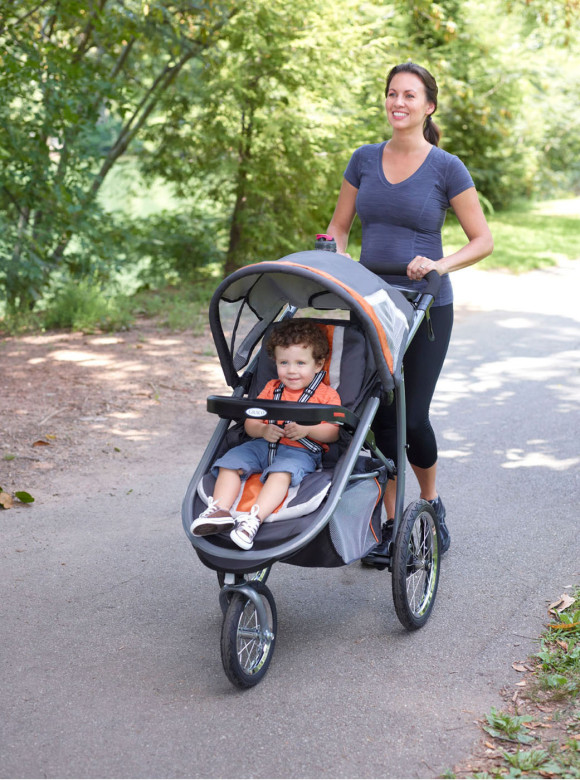 Graco's new FastAction Fold Jogger Click Connect combines the comfort and convenience of a traditional stroller with the performance and maneuverability of an all-terrain jogger.