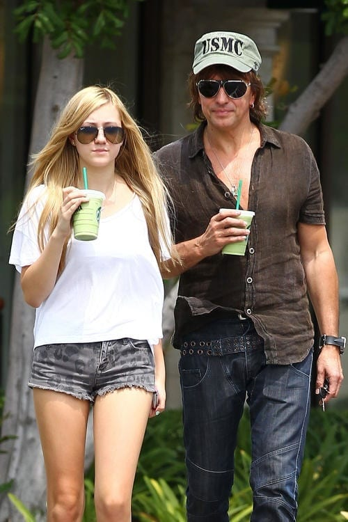 *EXCLUSIVE* Richie and Ava Sambora cool off in Calabasas