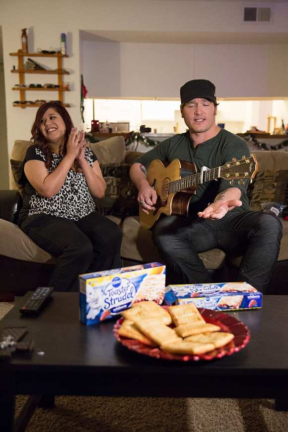 Surprise Serenade From Country Star Jerrod Niemann, Thanks To Toaster Strudel