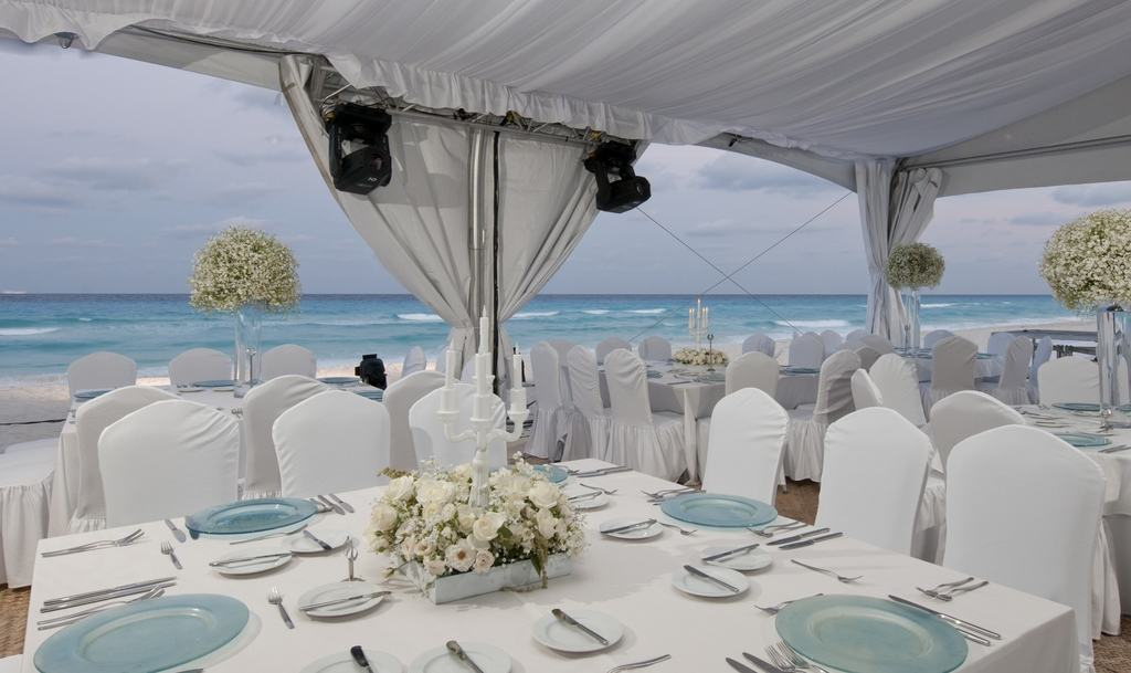 Live Aqua Cancun Wedding  Modern Destination Weddings