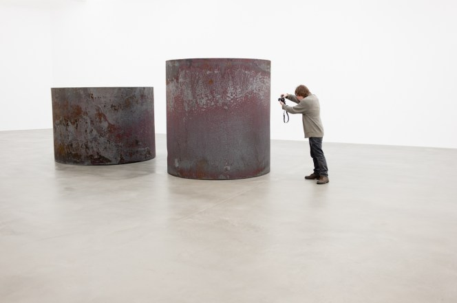 rounds-equal-weight-unequal-measure-1-richard-serra-2016