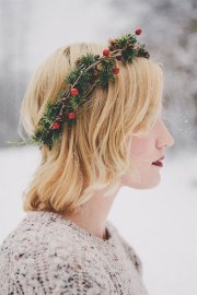 simple christmas themed hairstyle