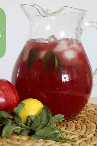 Pomegranate Mint Lemonade