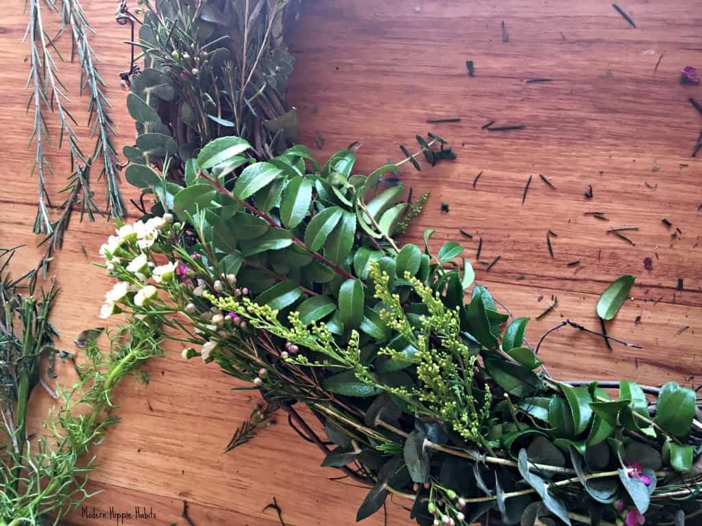 DIY Fresh Spring Wreath Leaves