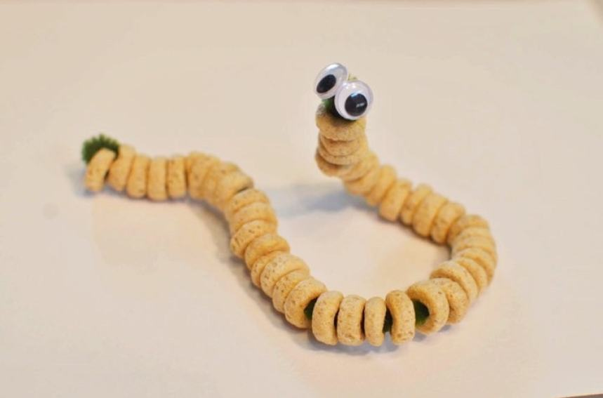 Caterpillar Cheerios - Toddler Activity