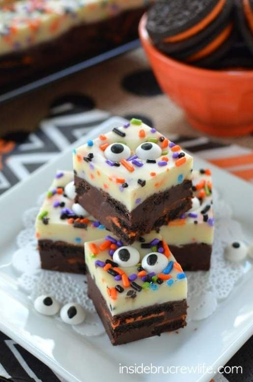 Spooky Chocolate Vanilla Oreo Fudge