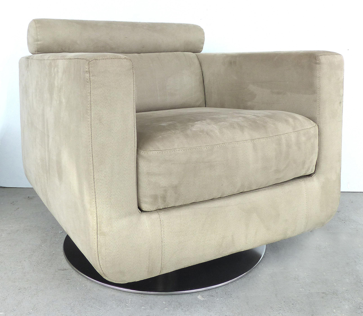 Italian UltraSuede Swivel Club Chairs by Natuzzi Salotti