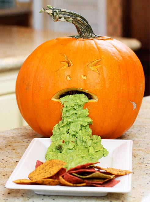 pumpkin-guacamole-halloweenvertical