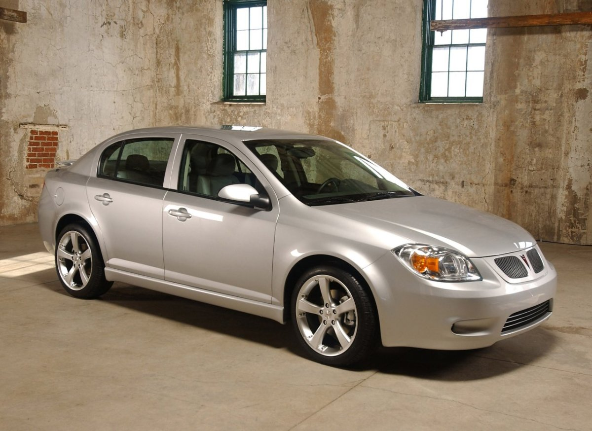 2005 Pontiac Pursuit (pre-production model shown)