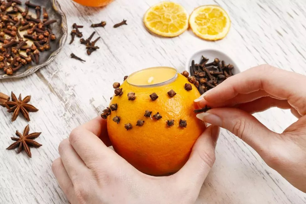شمعدان معطر با ادویه جات ترشی جات