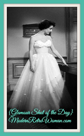 Elizabeth Taylor's gown designed by Edith Head. A Place in the Sun (1951); Source image courtesy of BlueVelvetVintage.com