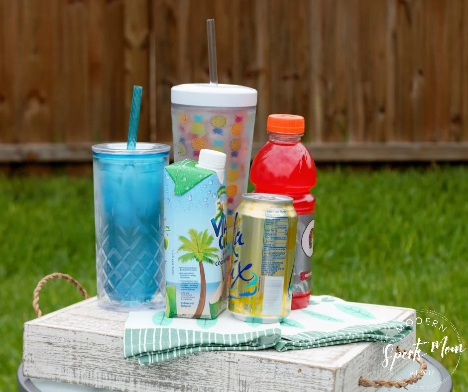 7 Delicious Ways to Stay Hydrated - great tips that go beyond plain water!