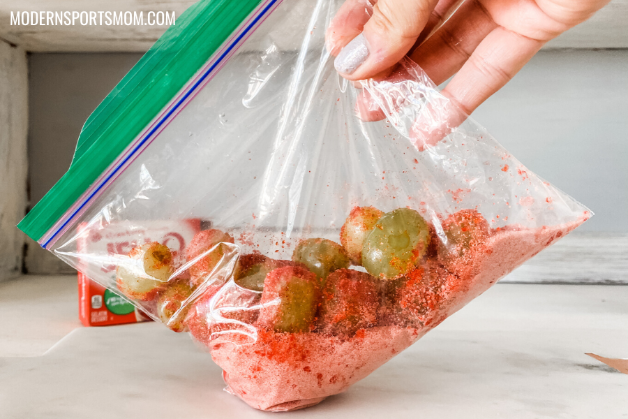 easy to make sour patch grapes
