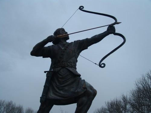 Arash_Kamangir_statue_2