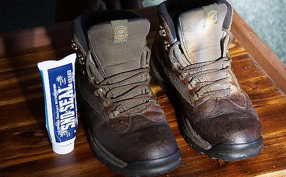 SNOSEAL Original Beeswax Best Waterproofing For Boots
