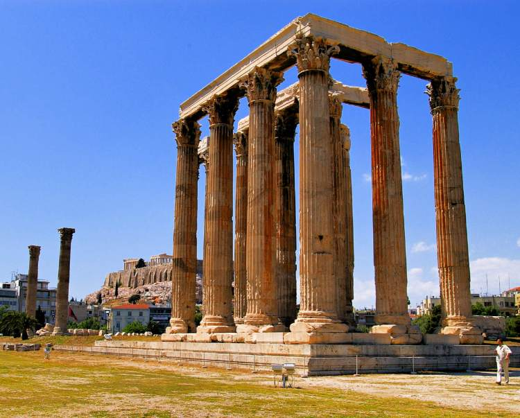 The Temple Of Olympian Zeus is worthy of your 3-day Athens itinerary.
