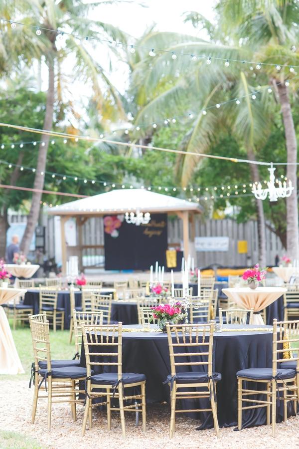 Carin Amp Koty S Outdoor Hollywood Glam Wedding Modern