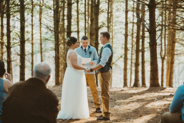 woodsy winter wedding