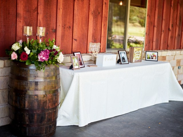 burgundy Texas wedding