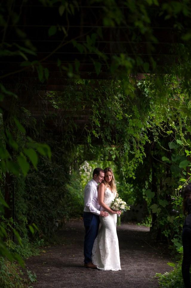 modern summer wedding