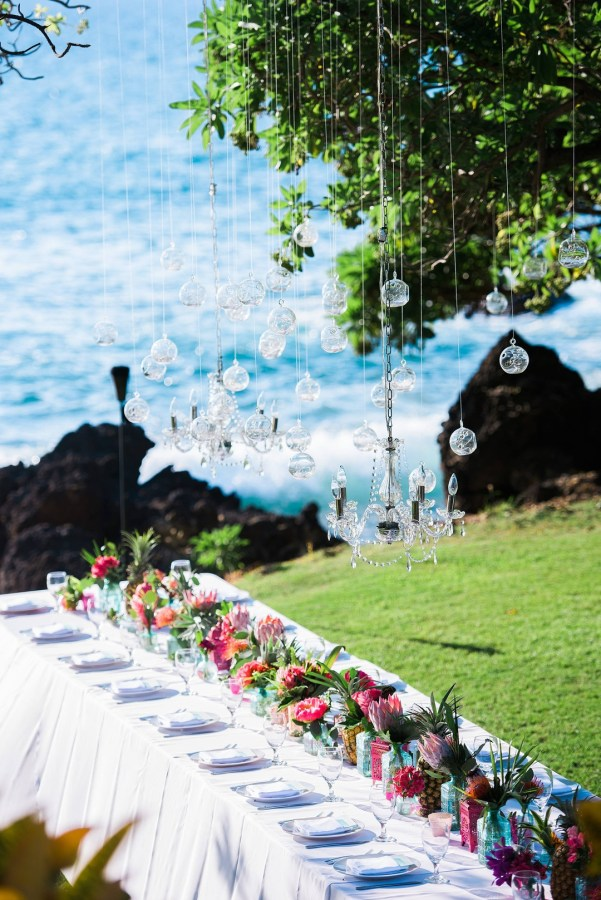 colorful Hawaii wedding