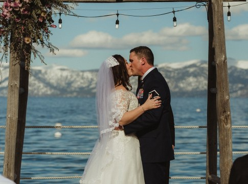 winter Lake Tahoe wedding