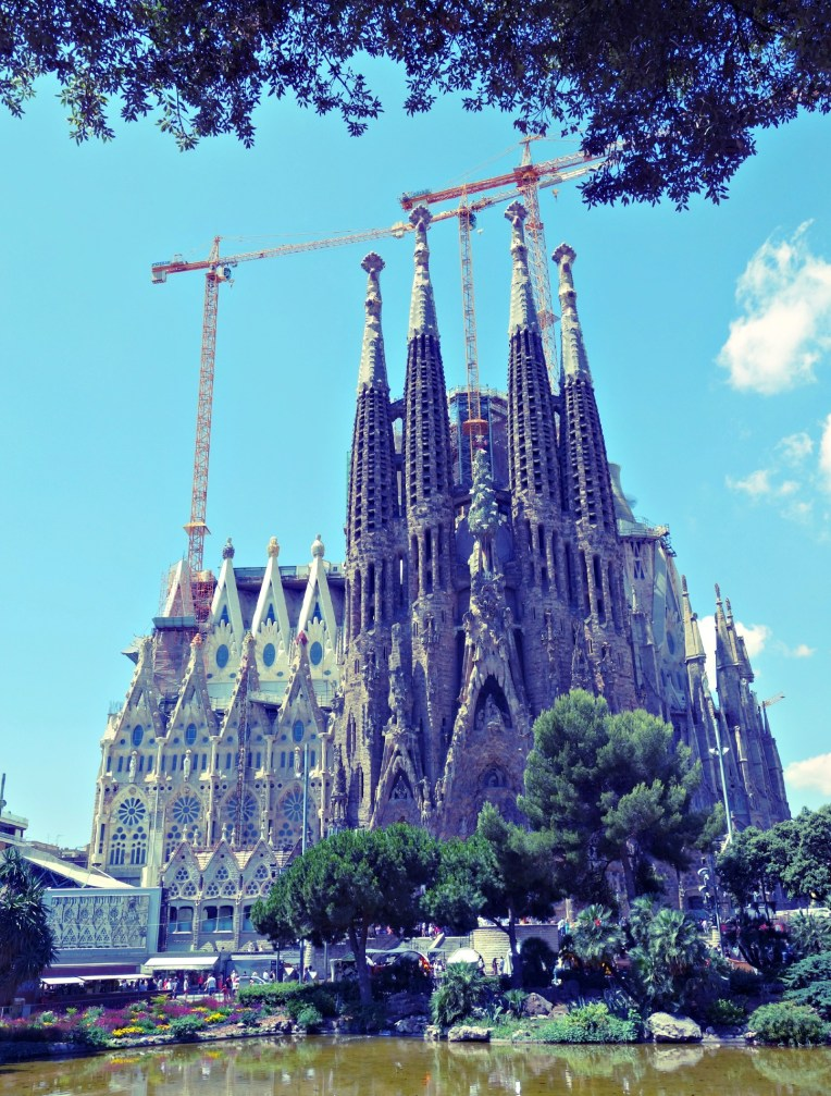 sagrada in construction