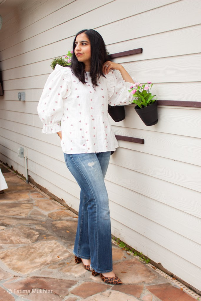 how to wear bootcut jeans now floral cotton top and bootcut jeans