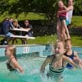 kids-in-pool-Modewest-column