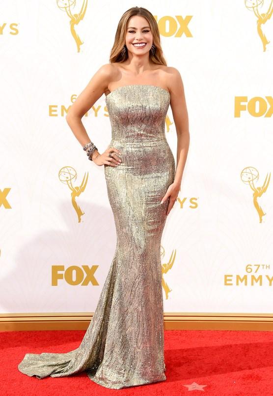 Mode XLusive Canadian Fashion Blog Curvy Sofia Vergara Emmys 2015 red carpet dresses