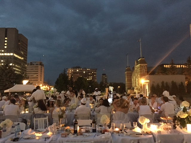 Diner en Blanc 2016 Ottawa Fashion Blog 13