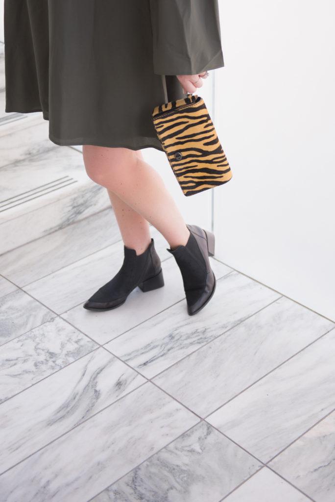 ELVI plus size bell sleeve dress Ottawa Fashion Blogger Chantsy Coach purse black booties