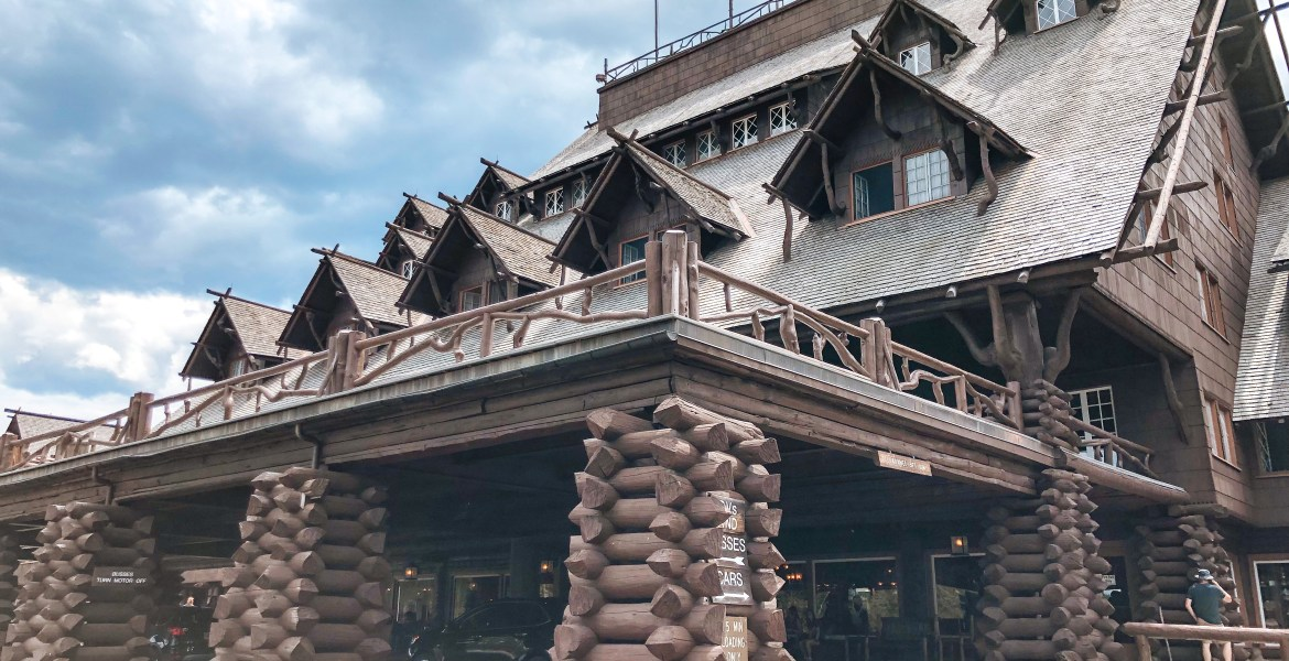High Resolution Picture: Yellowstone's Old Faithful Inn. An exterior view of Yellowstone National Park's Old Faithful Inn. The iconic Lodge sits near the Old Faithful Geyser.