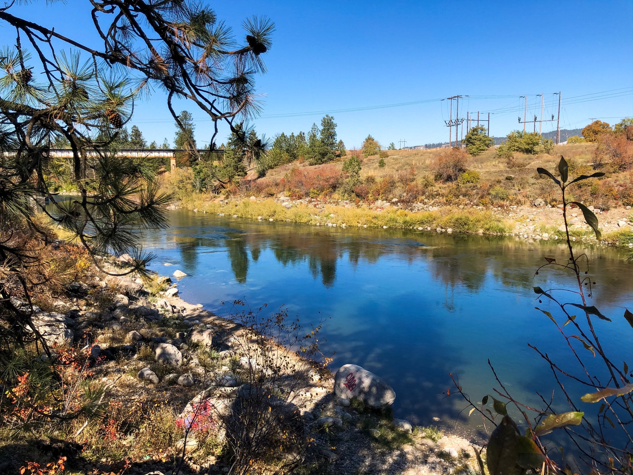 A view of the Spokane River from the Centennial Trail near Spokane Valley, Washington.