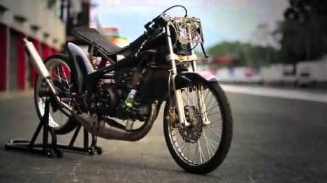 Gambar Motor Satria Fu Warna Hijau