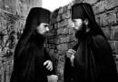 Dvaja mnísi
