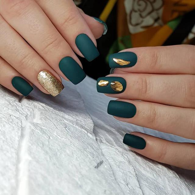 Зеленый маникюр - 23