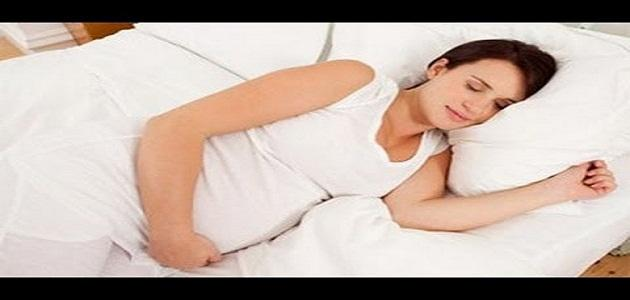 كيفية نوم المرأة الحامل موضوع