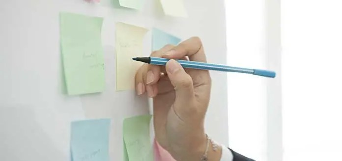 Advantages of combining white board and post it to improve organization 3