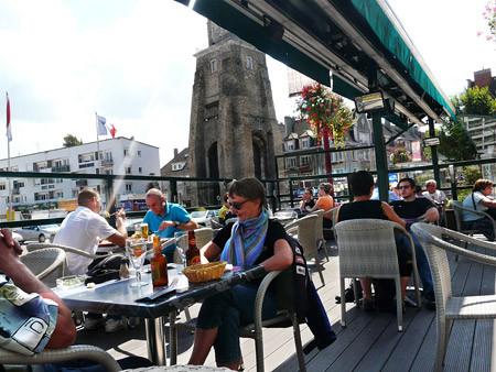 cafe de la tour a calais restaurant brasserie cafe bars bienvenue
