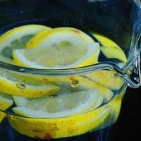 Εύκολα tricks για να πίνουμε περισσότερο νερό