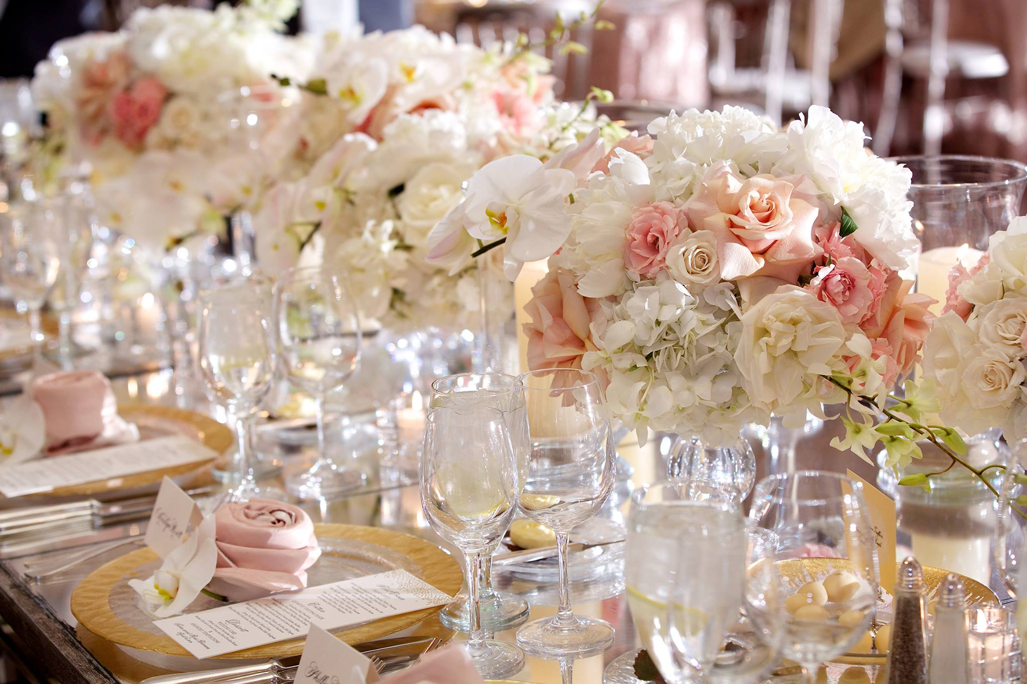 Steal-Worthy Wedding Flower Ideas